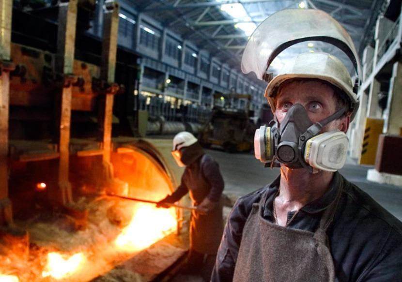 Работники горячего цеха